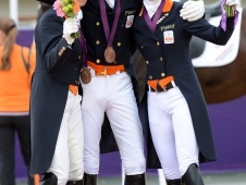 Bronze For The Dutch