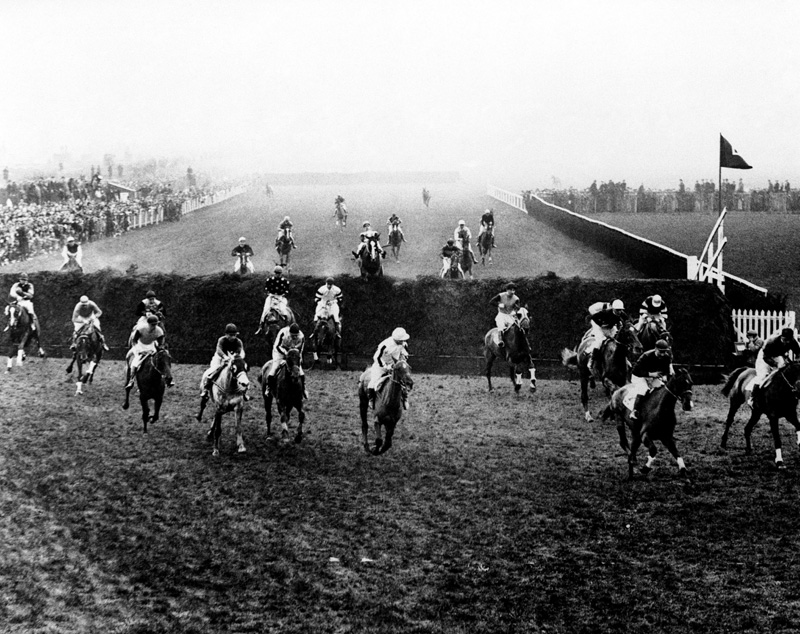 Horse Racing - The Grand National 1934 - Aintree Racecourse