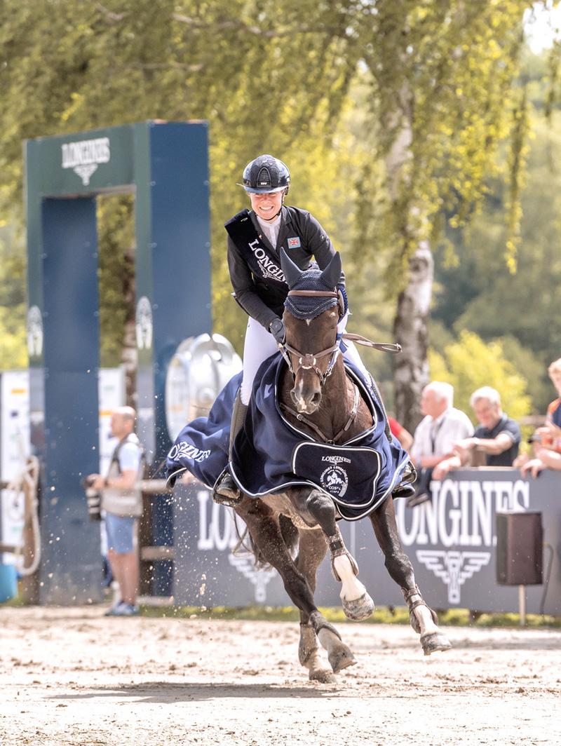 120210620-Summerland Mollie Charly van ter Helden  Ehrenrunde-Price Giving LONGINES CCI5L